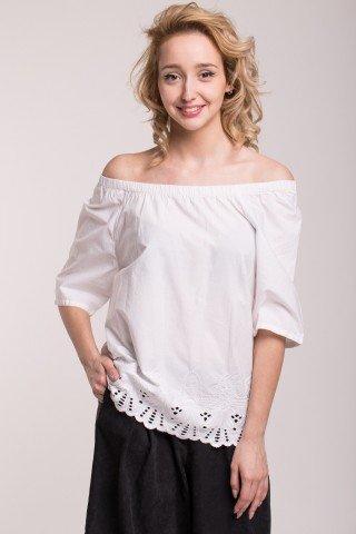 Bluza alba cu elastic la umeri si broderie perforata