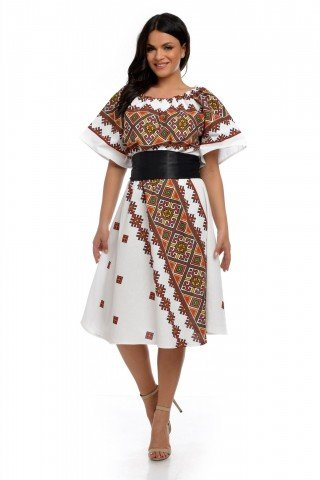 Rochie alba traditionala