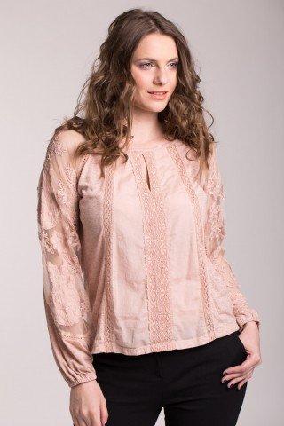 Bluza roz prafuit cu dantela