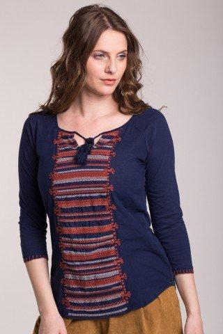 Bluza bleumarin cu broderie rosie