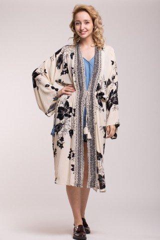 Kimono cu imprimeu floral si snur cu ciucuri in talie