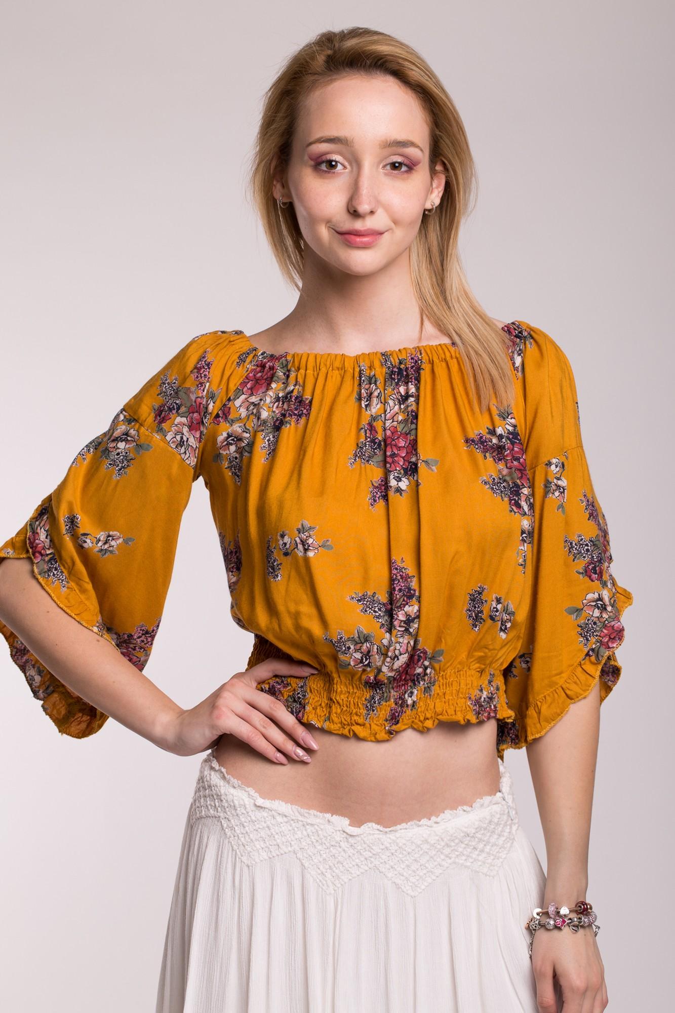 Bluza galbena scurta cu imperimeu floral