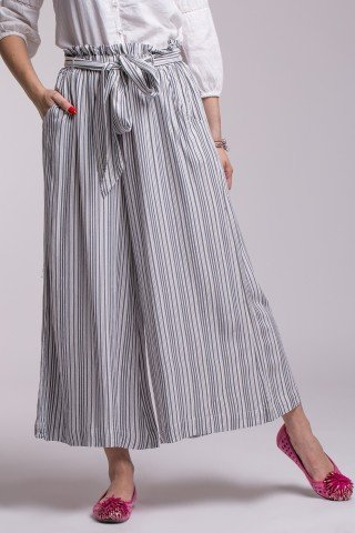 Pantalon din in in dungi cu cordon si foarte largi