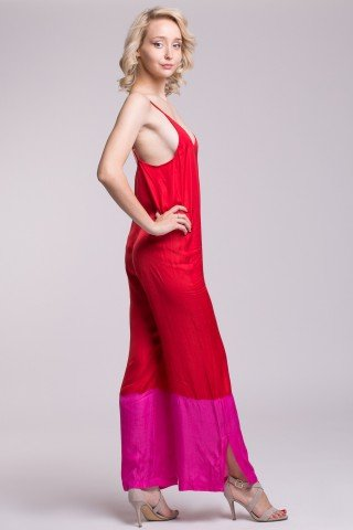 Salopeta eleganta din vascoza rosie cu banda roz