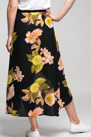 Fusta petrecuta asimetrica neagra cu imprimeu floral