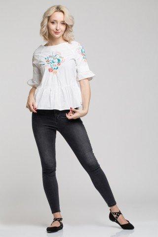 Bluza alba din poplin cu broderie florala si volane