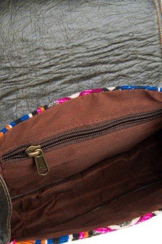 Geanta de umar din piele cu motive multicolore si inchizatoare metalica vintage