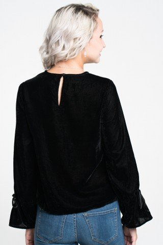 Bluza din catifea neagra cu broderie argintie si manseta evazata