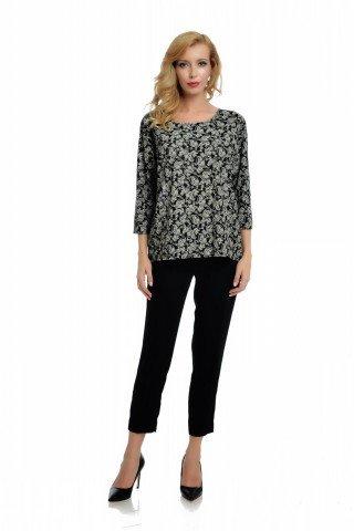 Bluza versatila cu imprimeu alb-gri si maneci trei sferturi