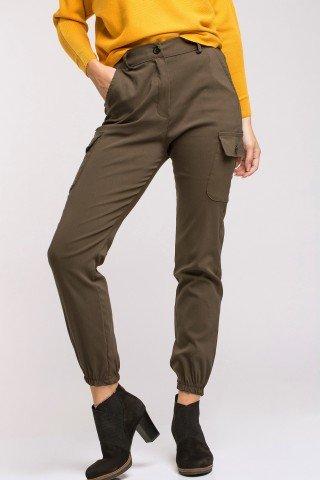 Pantaloni kaki cargo cu elastic la glezne