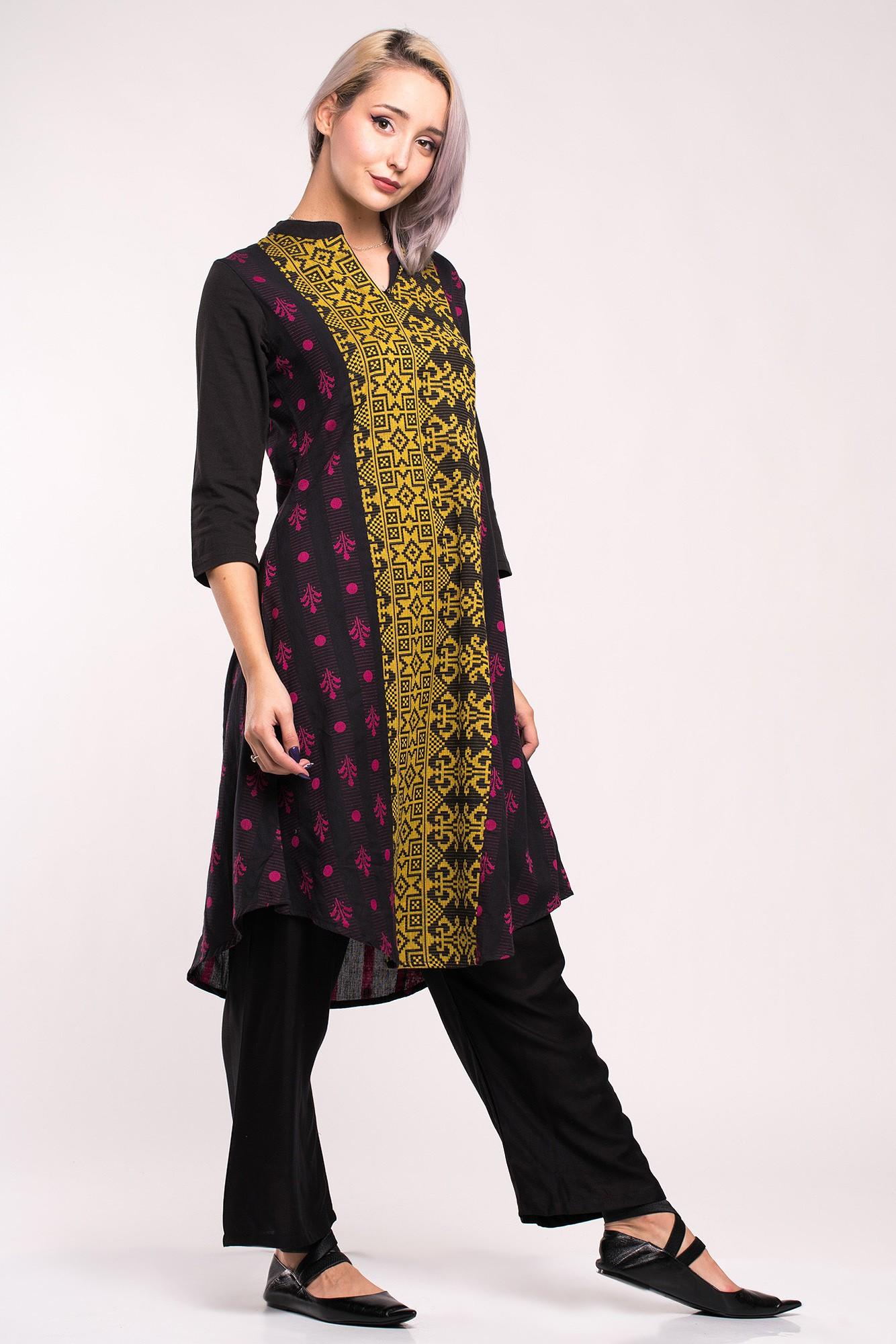 Costum traditional indian negru cu imprimeu etnic multicolor