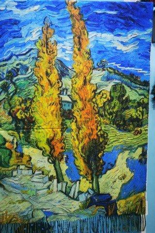 Esarfa din casmir cu imprimeu dupa tabloul Chiparosii de Van Gogh