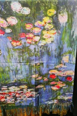 Esarfa casmir cu imprimeu dupa tabloul Nuferi al lui Claude Monet