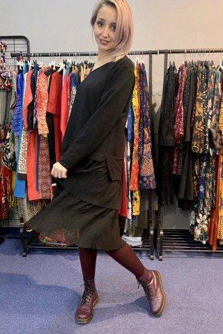 Rochie hanorac neagra cu volane creponate
