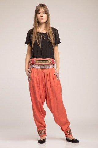 Pantaloni portocaliu cu brau si mansete etnice