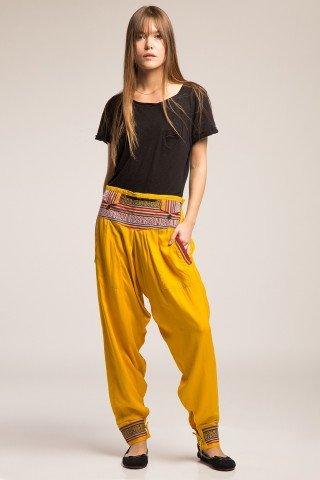 Pantaloni galben cu brau si mansete etnice