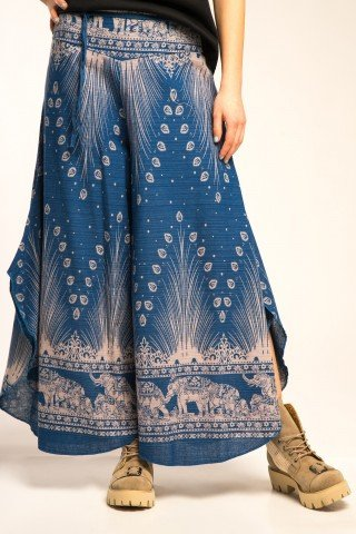 Pantaloni largi cu slituri laterale si imprimeu paun