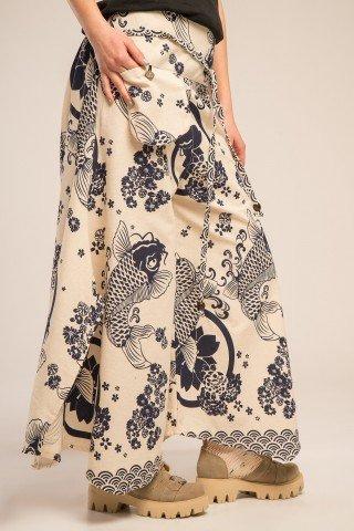 Pantaloni largi cu slituri si imprimeu oriental