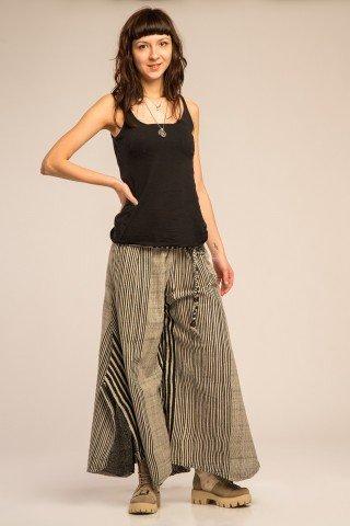 Pantaloni evazati asimetric in dungi cu slituri