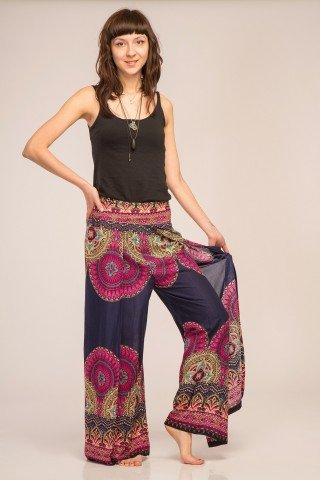 Pantaloni bleumarin petrecuti din vascoza cu imprimeu contrastant tip mandala