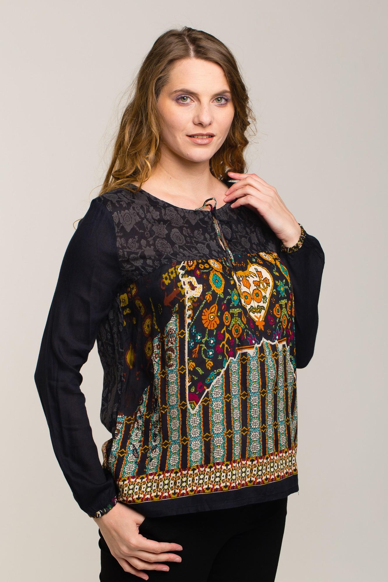 Bluza neagra cu imprimeu multicolor Pace&Love