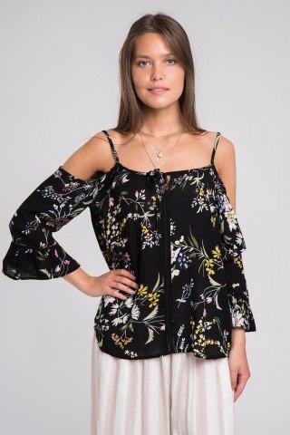 Bluza neagra cu flori si umeri decupati