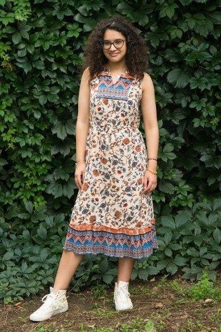 Rochie multicolora cu platca brodata si imprimeu floral