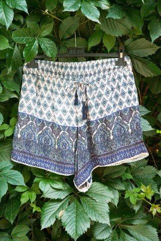 Pantaloni scurti imprimeu boho