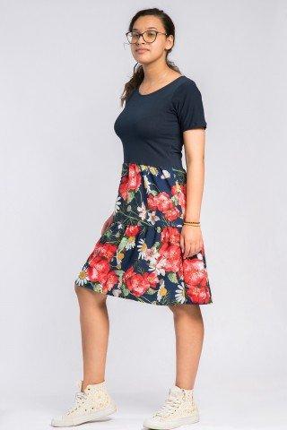 Rochie bleumarin cu volane si flori