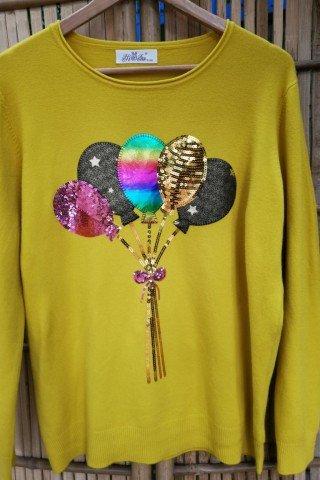 Pulover cu aplicatie colorata in forma de baloane