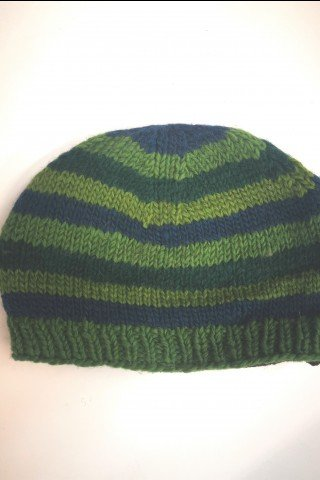 Caciula verde in dungi din lana cu dublura polar