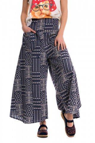 Pantaloni largi cu siluturi bleumarin si print geometric