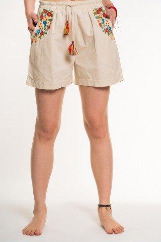 Pantaloni scurti beige cu broderie florala