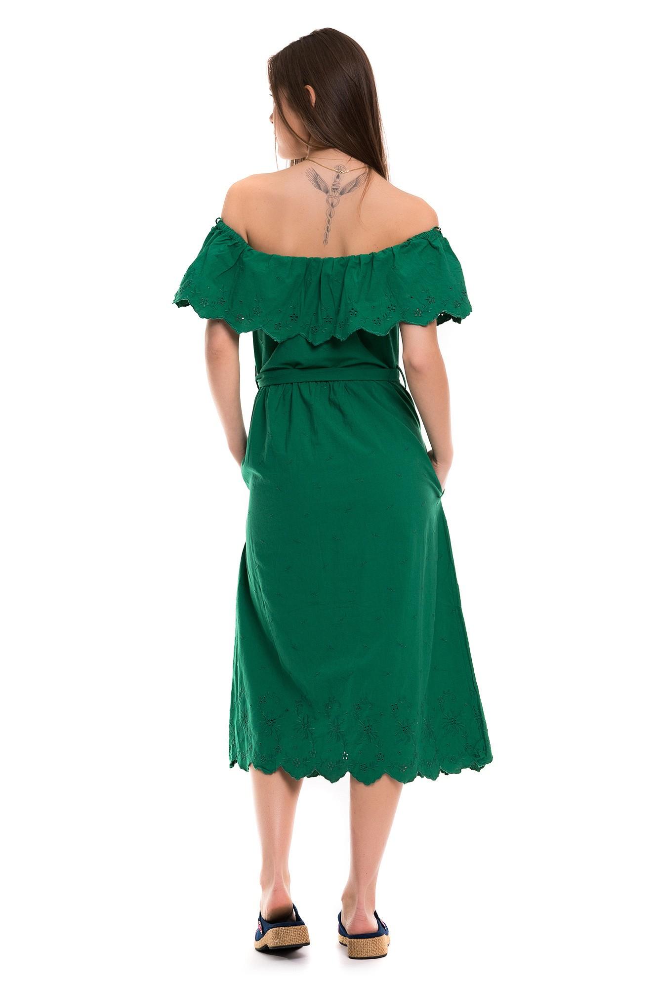 Rochie verde cu volan , broderie si nasturi