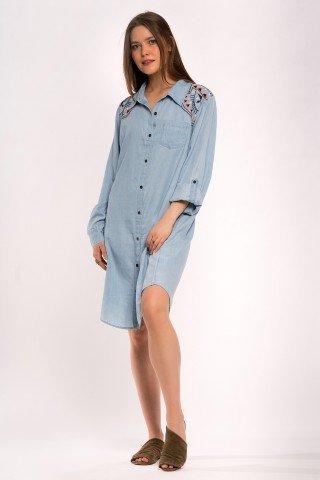 Rochie bleu tip camasa cu broderie pe umeri