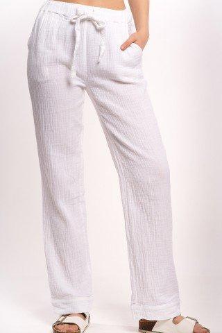 Pantaloni albi drepti cu buzunare si cordon