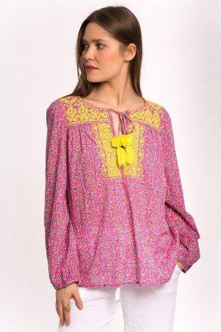 Bluza roz cu broderie galbena si ciucuri
