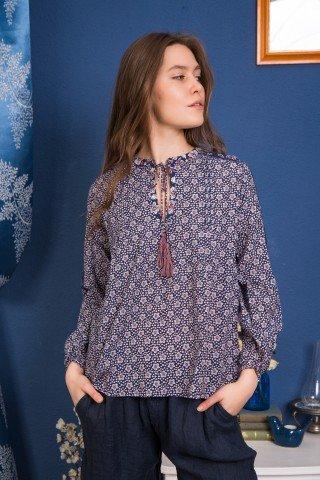 Bluza bleumarin cu imprimeu floare de colt