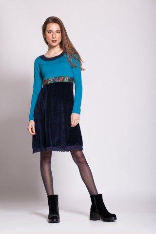 Rochie bleumarin din catifea cu aplicatie traditionala