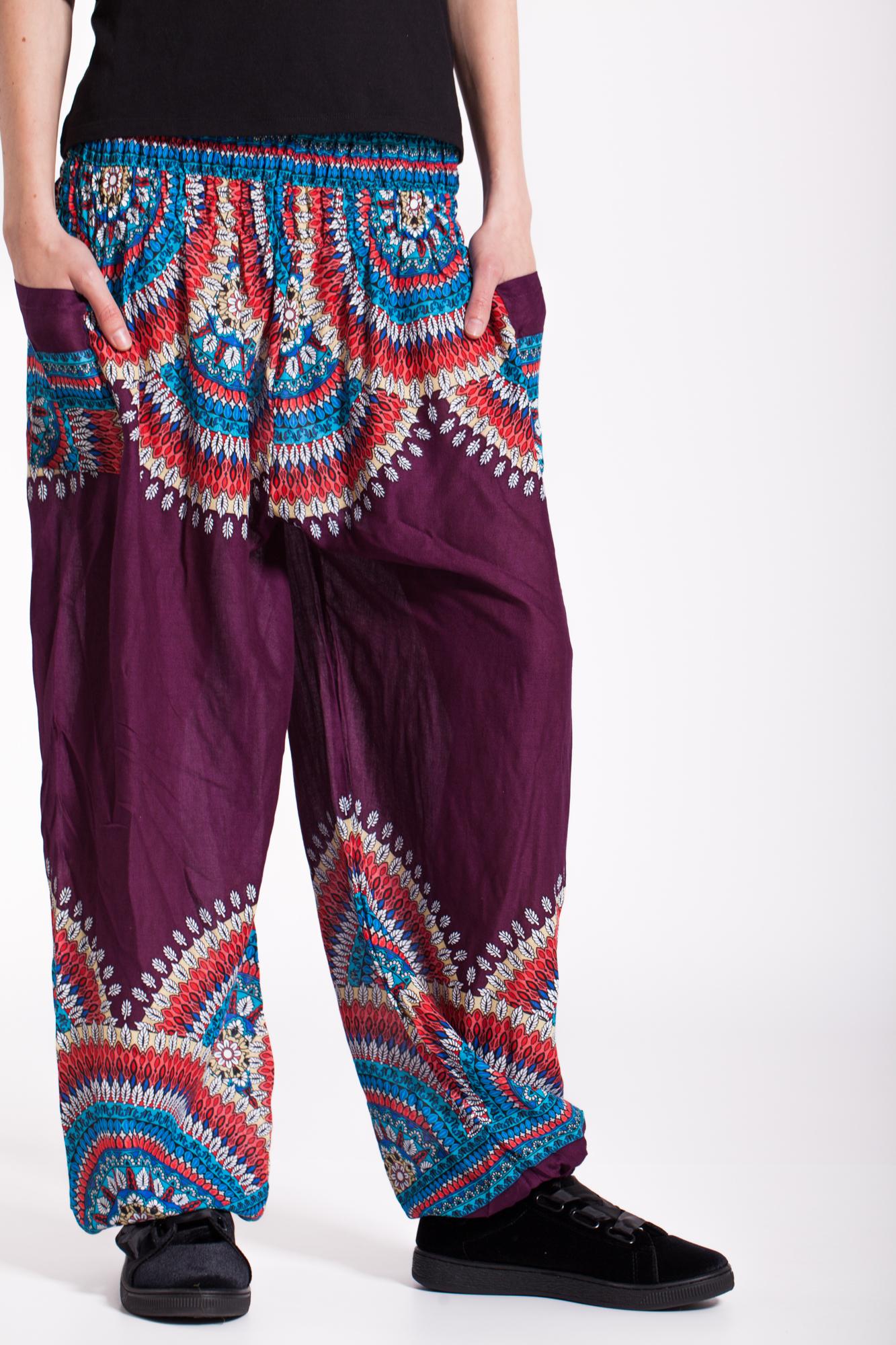 Pantaloni mov din vascoza cu imprimeu