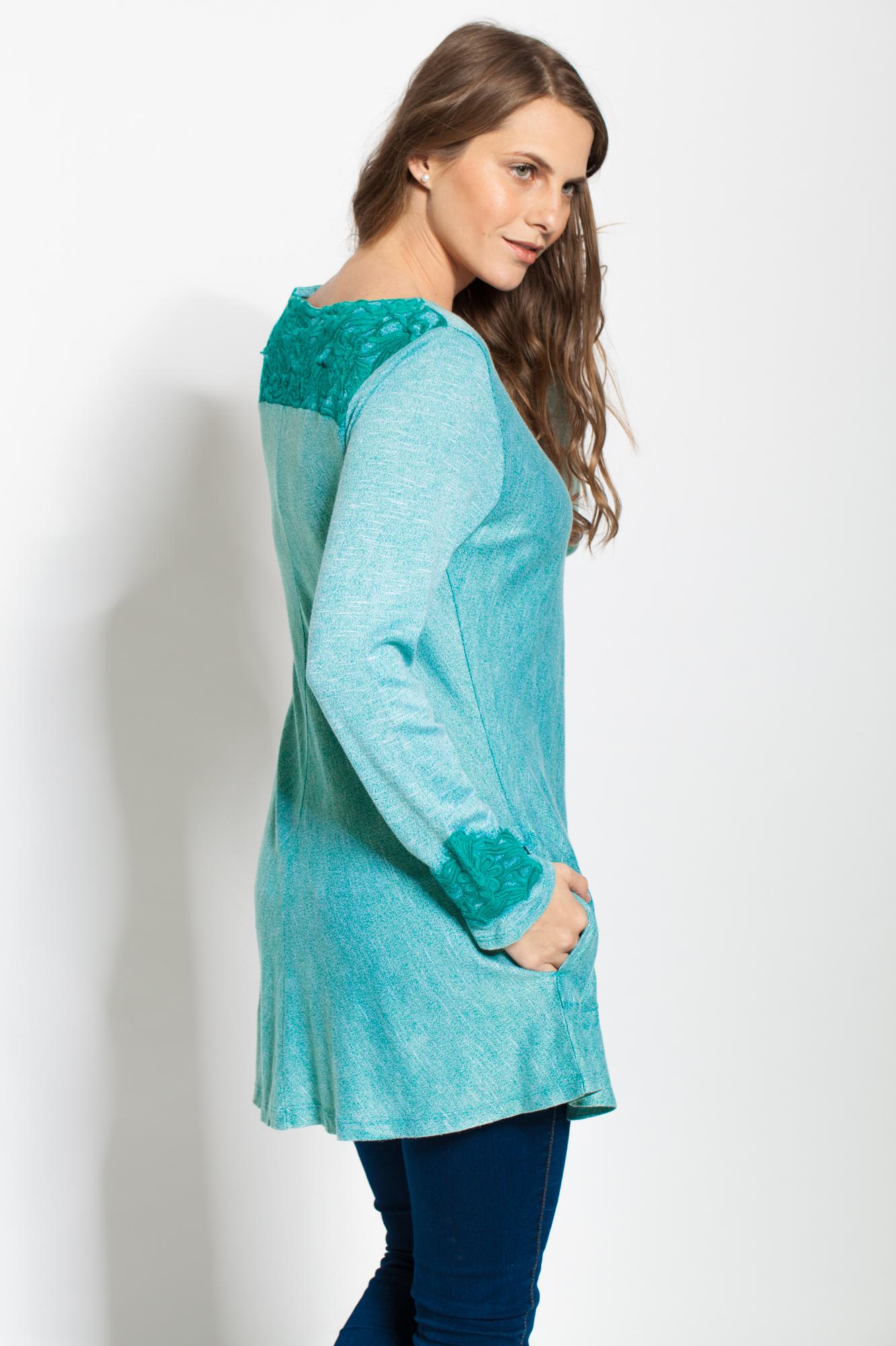 Bluza verde aqua cu broderie si buzunare