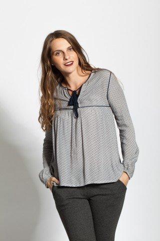 Bluza cu imprimeu geometric si ciucuri