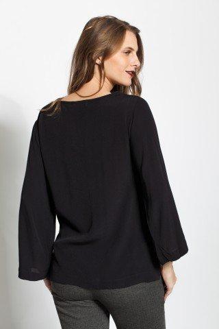 Bluza neagra vascoza cu pene brodate