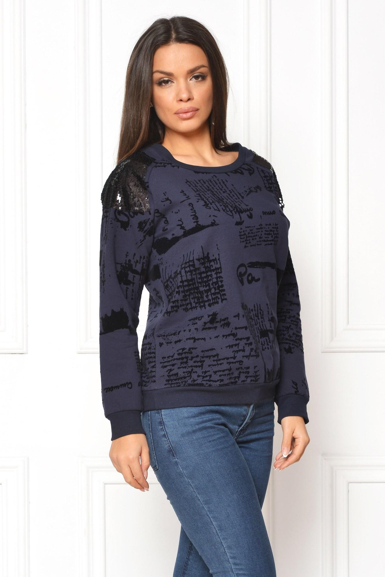 Bluza bleumarin casual print urban de catifea