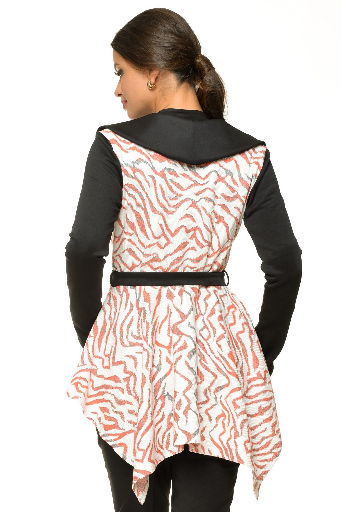 Jacheta neagra cu imprimeu roz