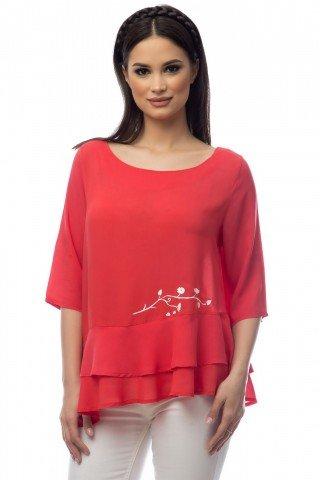 Bluza rosie volane suprapuse si pictura manuala