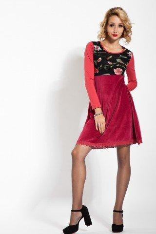 Rochie eleganta de catifea rosie cu broderie florala