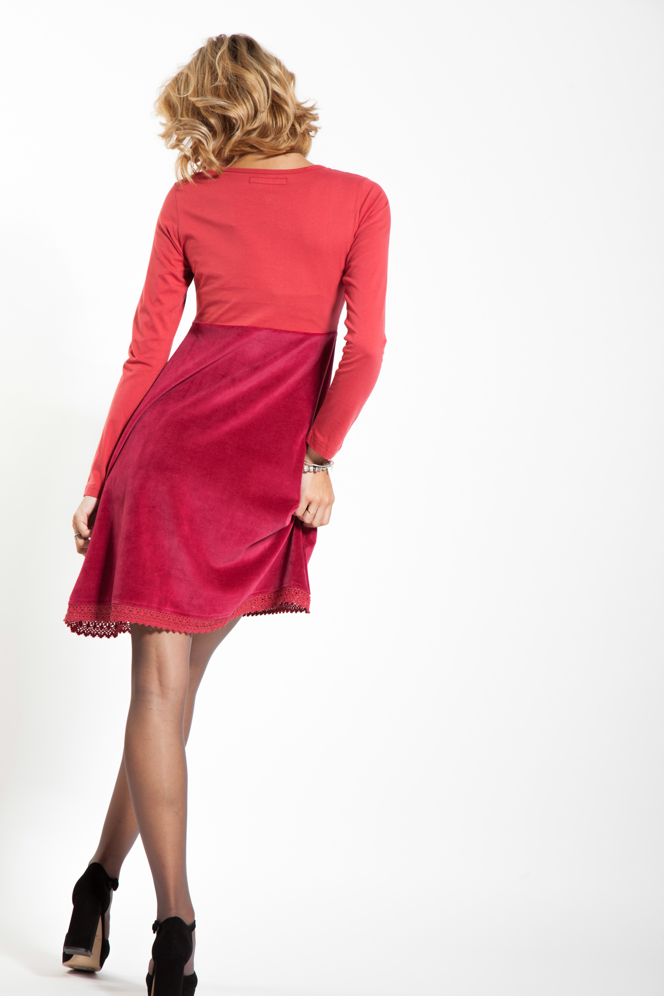Rochie eleganta de catifea rosie cu broderie florala Sweetheart