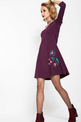 Rochie violet cu broderie florala