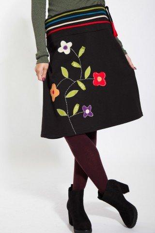 Fusta midi neagra cu aplicatii florale